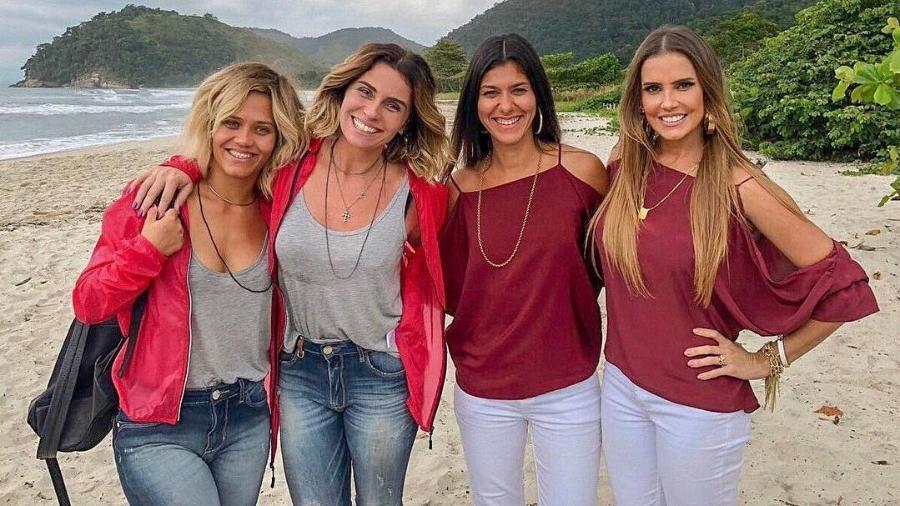 """Giovanna Antonelli e Deborah Secco posam com suas dublês da cena de briga de Luzia e Karola em """"Segundo Sol"""" - Reprodução/Instagram"""