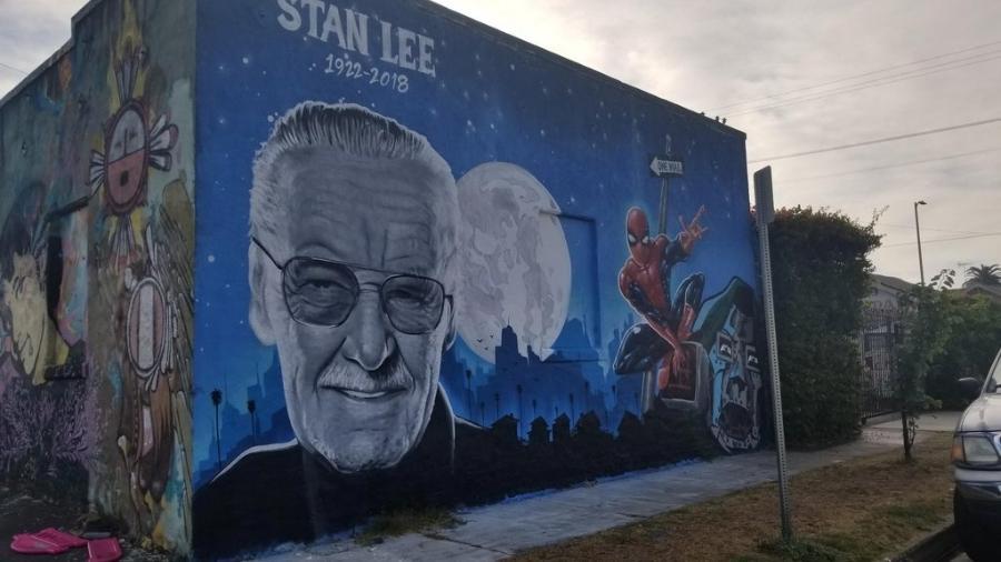 Grafite em homenagem a Stan Lee, em Los Angeles - Reprodução/Reddit