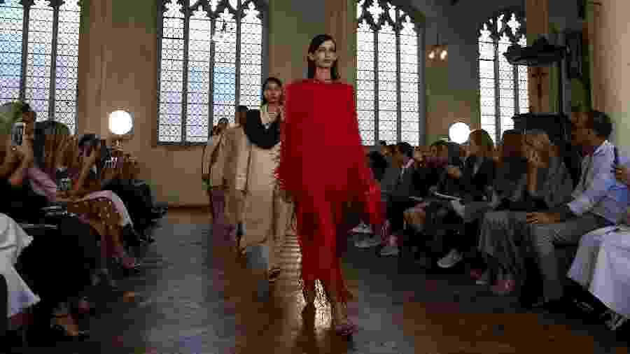 Criação de Sharon Wauchob na London Fashion Week - Xinhua/Han Yan