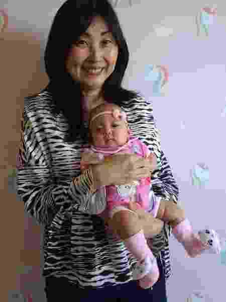 Marina Yumiko Fujita que engravidou aos 57 anos e a filha Pietra - Arquivo Pessoal