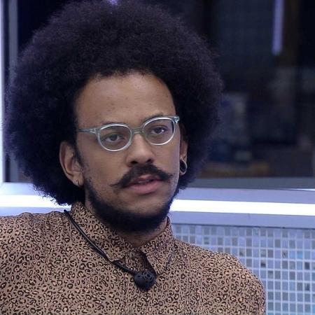No BBB, o professor João teve seu cabelo comparado ao de um homem das cavernas - Reprodução/Globoplay