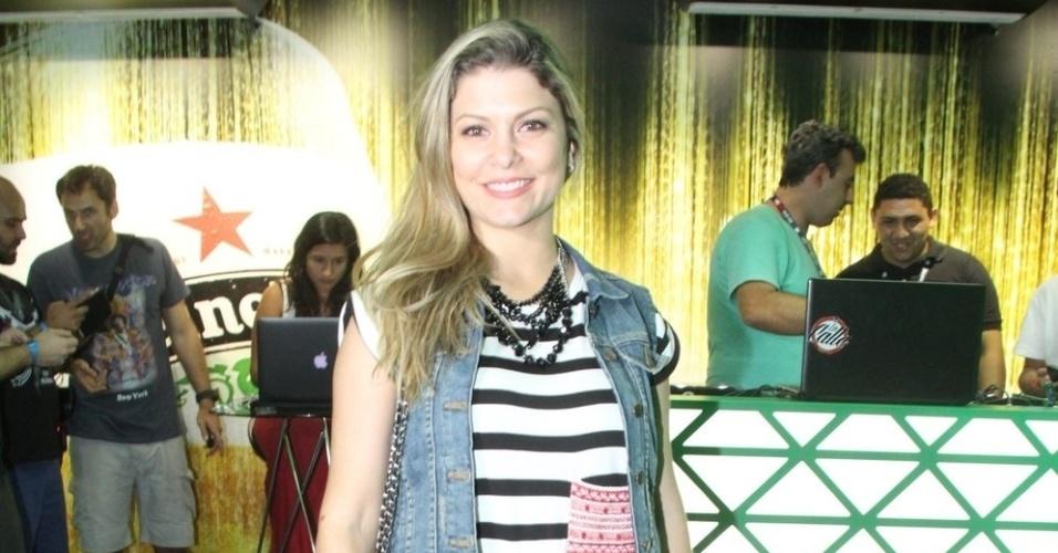 18.set.2015 - Bárbara Borges curtiu a primeira noite na cidade do rock
