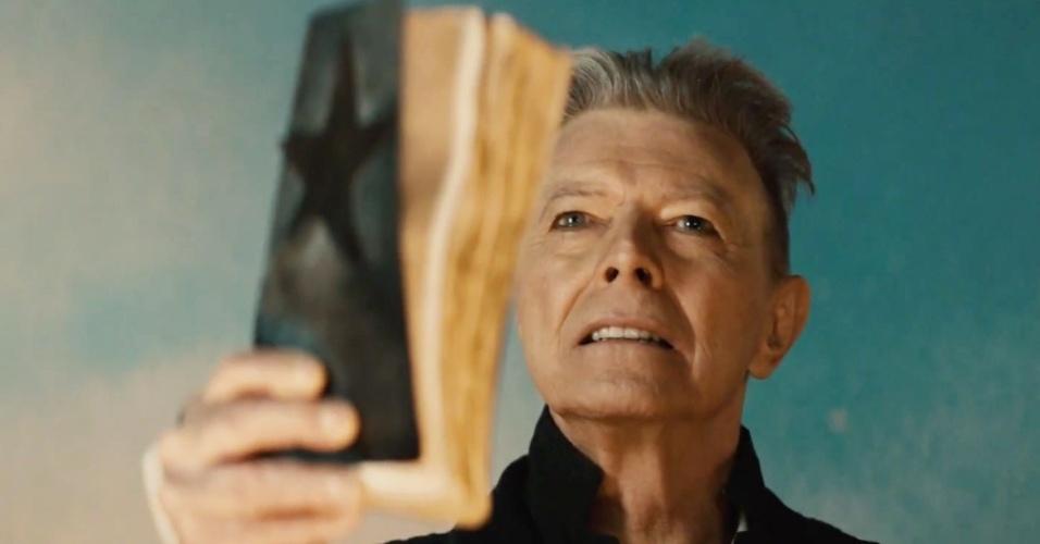 """Profeta alienígena: David Bowie lança novo álbum, """"Blackstar"""", no dia em que completa 69 anos"""