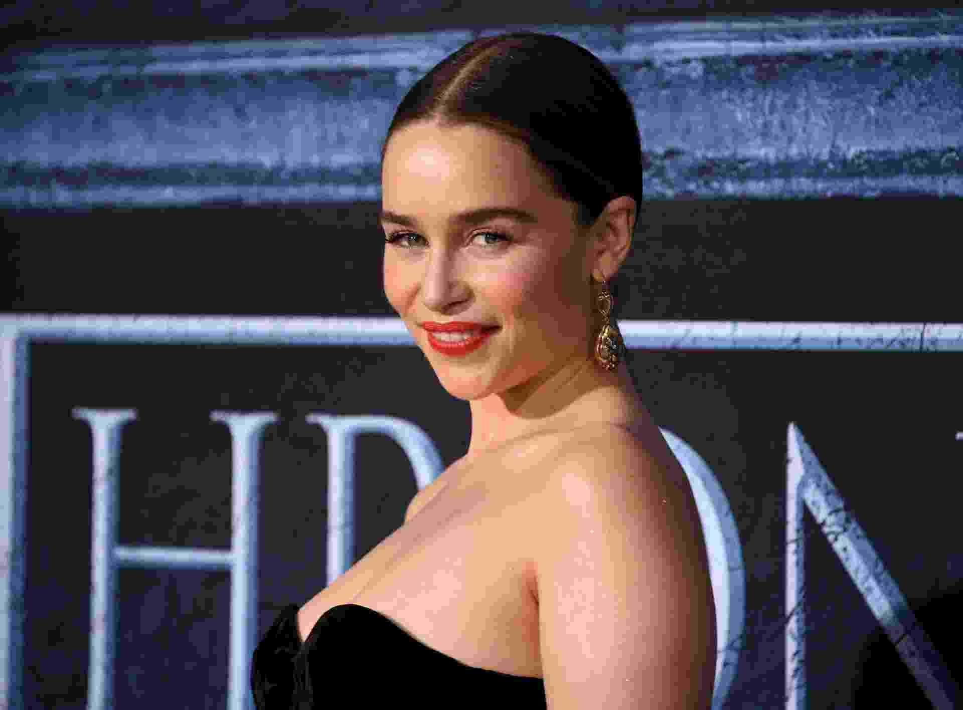 """10.apr.2016 - Emilia Clarke vai à pré-estreia da sexta temporada de """"Games of Thrones"""", em Los Angeles. A atriz interpreta a rainha Khaleesi. - Reuters"""