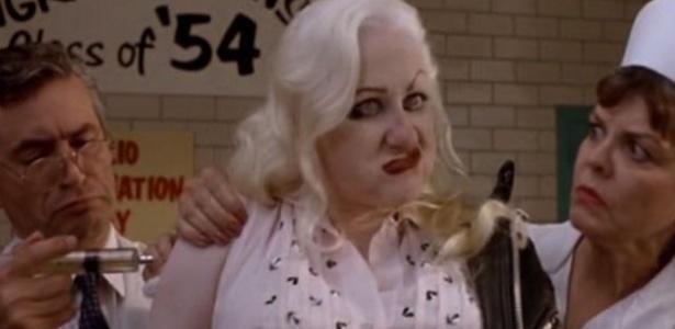 """Kim McGuire em """"Cry Baby"""" - Reprodução"""
