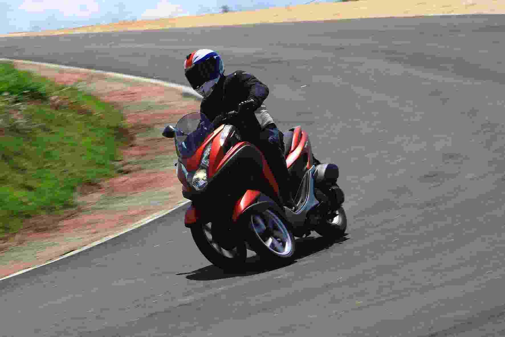 Yamaha Tricity 125 - Mário Villaescusa/Divulgação