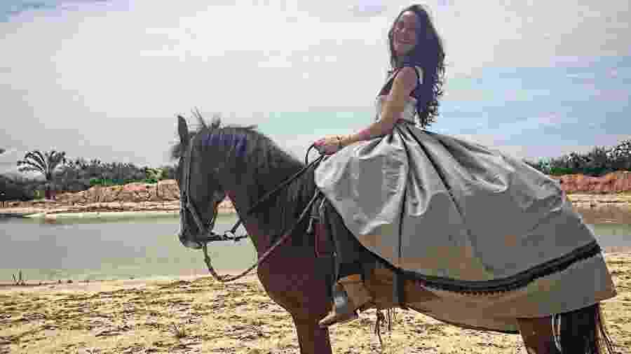 """Adriana Birolli fez aulas de montaria para viver uma princesa em """"Belaventura"""", sua estreia na Record - Reprodução/Instagram/adrianabirolli"""