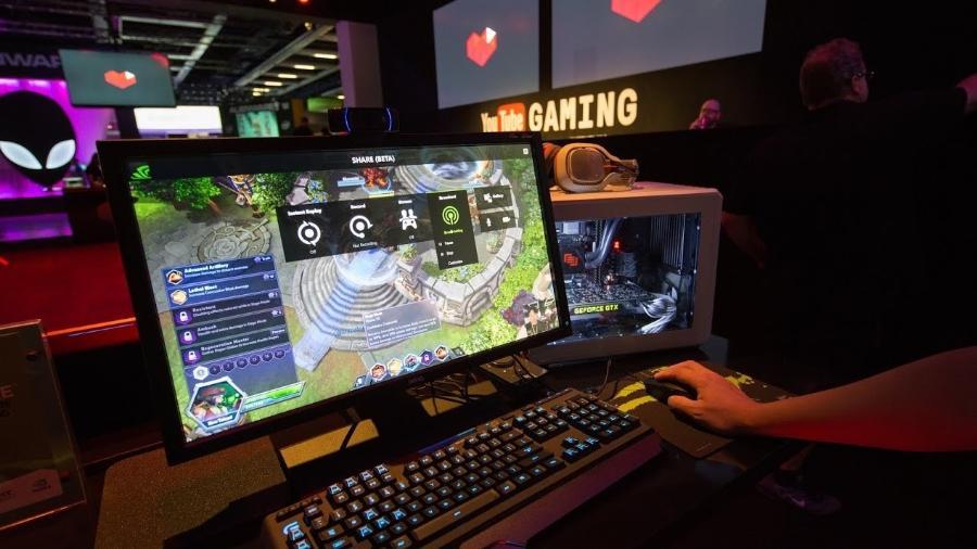Serviços de livestreaming como o YouTube Gaming e o Twitch permitem transmissões de jogatina por todo o mundo - Reprodução