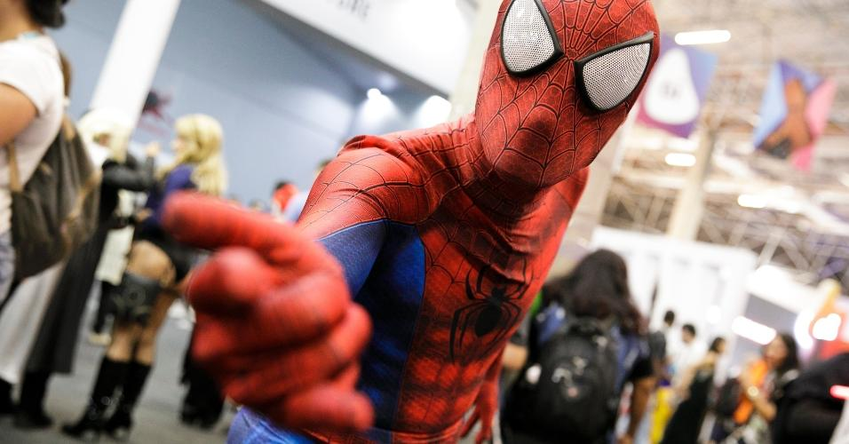 """O perfeito traje de """"Homem-Aranha"""" chamou a atenção"""