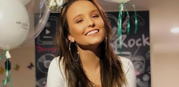 Larissa Manoela está na sua melhor fase na televisão e no cinema -  18 01 2018 - UOL TV e Famosos 3f12e5a082