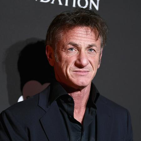 O ator Sean Penn recebeu a primeira dose da vacina - Emma McIntyre/Getty Images