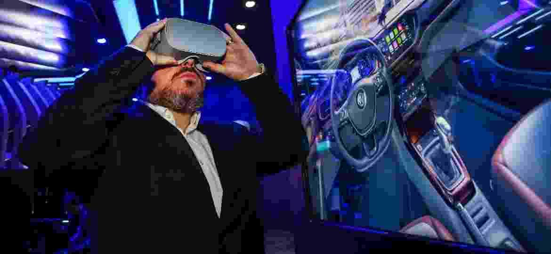 Estrutura de concessionária digital inclui óculos de realidade aumentada - Divulgação