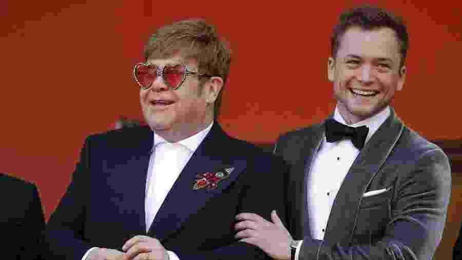 "Elton John e Taron Egerton chegam para o tapete vermelho de ""Rocketman"" - Stephane Mahe/Reuters"