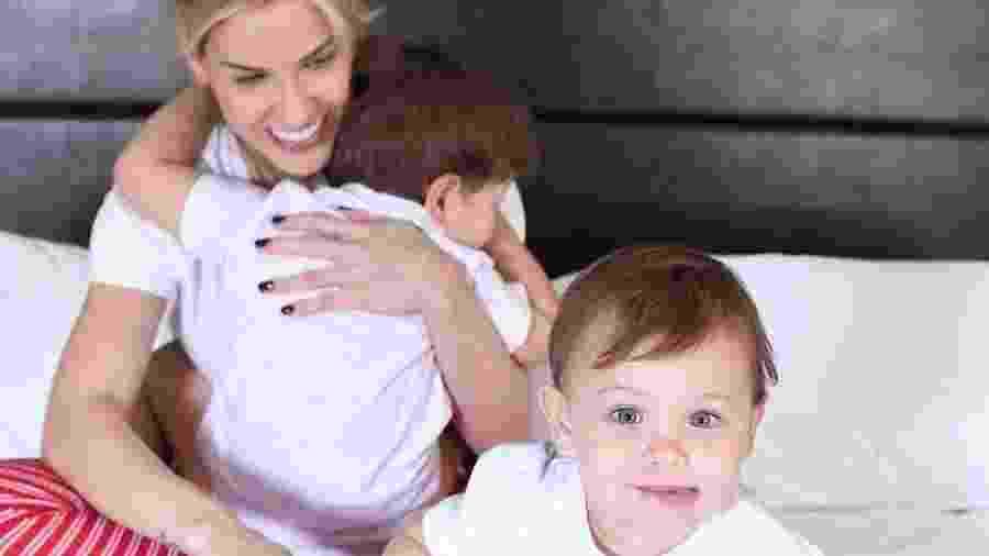 Andressa Suita e filhos Gabriel e Samuel - Reprodução/Instagram