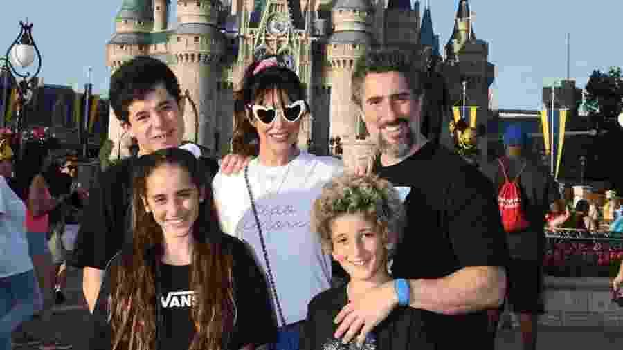 Marcos Mon com a família na Disney de Orlando - Reprodução/ Instagram