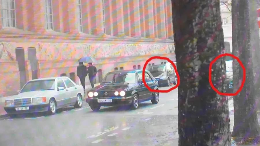 Carros fora de época são flagrados em série Lupin - Reprodução