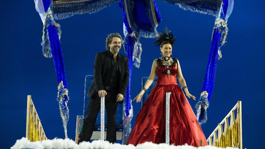 José Alfredo (Alexandre Nero ) e Maria Marta (Lilia Cabral) desfilam na Sapucaí pela  União de Santa Teresa - Estevam Avellar/Globo