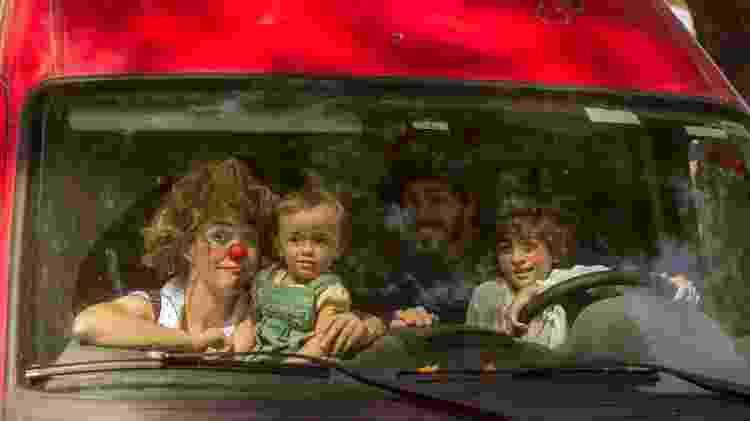 Família Circo do Asfalto e seu motorhome - Acervo Pessoal - Acervo Pessoal