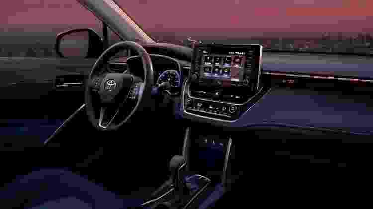 Corolla Cross norte-americano traz freio de estacionamento eletrônico e multimídia mais moderna - Divulgação - Divulgação