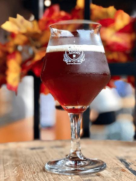 """A cervejaria Samuel Adams criou uma edição tão forte de sua """"Utopia"""" que foi proibida em quase um terço dos EUA - Reprodução/Instagram"""