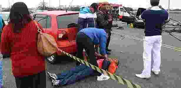Ferido em acidente de trânsito - Reginaldo Castro/Folhapress - Reginaldo Castro/Folhapress