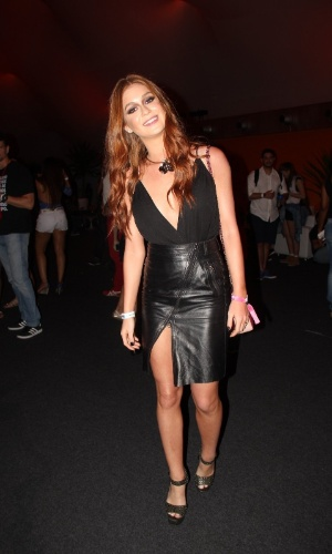 27.set.2015 - Com look sensual, Marina Ruy Barbosa acompanha o último dia de shows do Rock in Rio