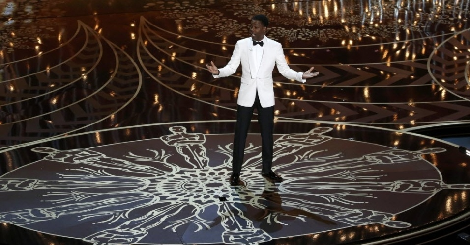 28.fev.2016 - O comediante Chris Rock abre o Oscar 2016 falando sobre a falta de negros indicados aos prêmios da Academia