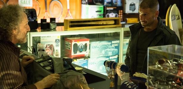 """Frank Castle, o Justiceiro (Jon Bernthal), aparece em cena da segunda temporada de """"Demolidor"""" - Divulgação/Netflix"""