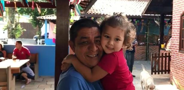 Zeca Pagodinho grava vídeo com a neta e tranquiliza fãs em primeira aparição após acidente com quadriciclo