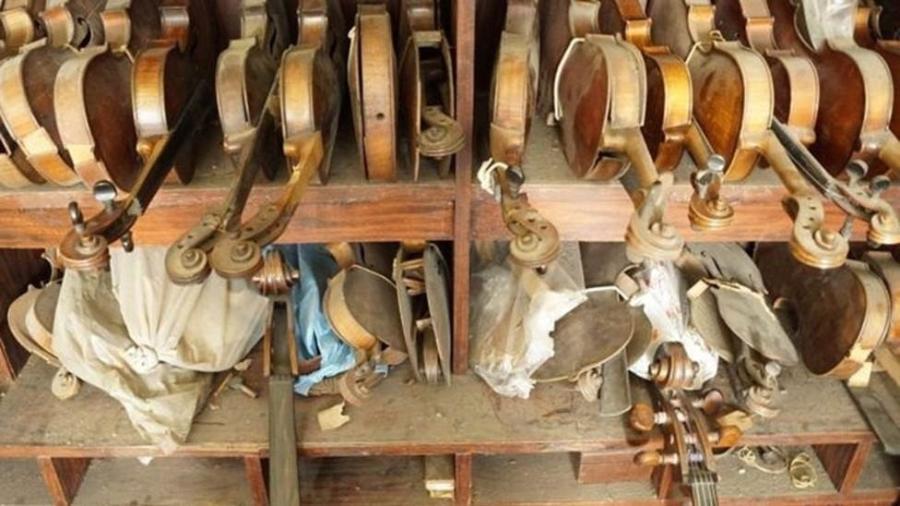 A venda de instrumentos se massificou nos últimos anos devido à internet - Leonardo Coelho/BBC Brasil