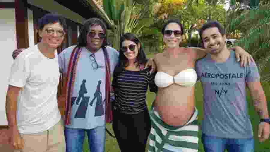 Ivete Sangalo posa com Jorge Vercillo, Milton Nascimento, Leticia Verissimo e Augusto Kesrouani - Reprodução/Instagram/miltonnascimentobituca