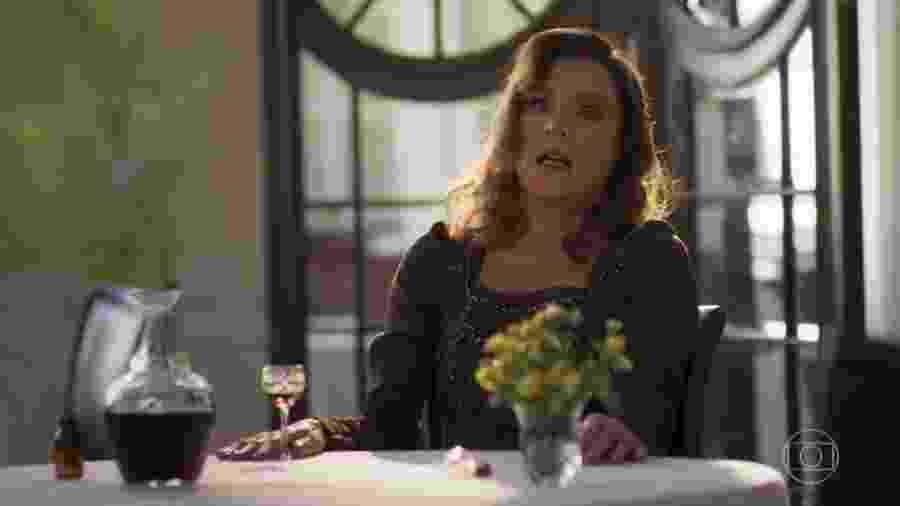 """Lady Margareth morre envenenada no último capítulo de """"Orgulho e Paixão"""" - Reprodução/TV Globo"""