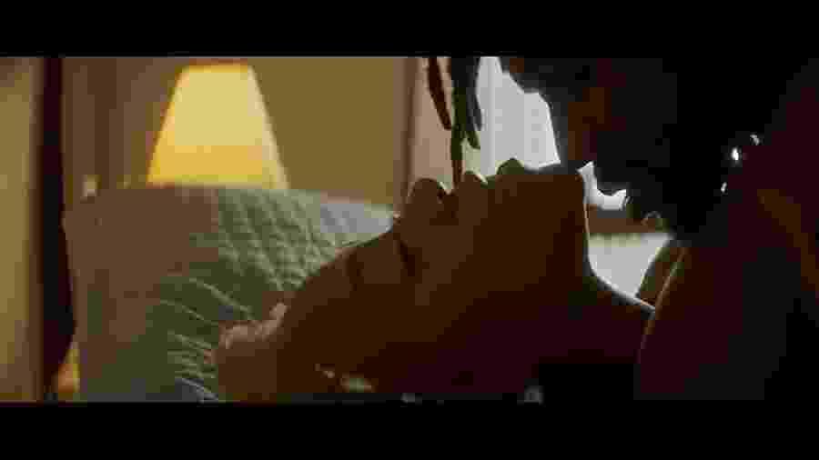 """Cena do videoclipe """"Saudade"""", de Karol Conka - Reprodução"""