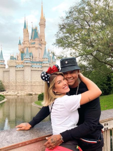 Lorena Improta e Léo Santana na Disney - Reprodução/Instagram