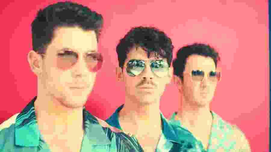 """Jonas Brothers em """"Cool"""" - Divulgação"""