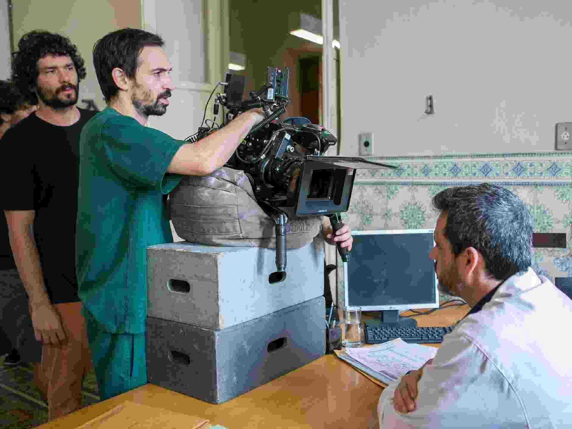 O ator Julio Andrade dirige um dos episódios da série - Globo / Raquel Cunha