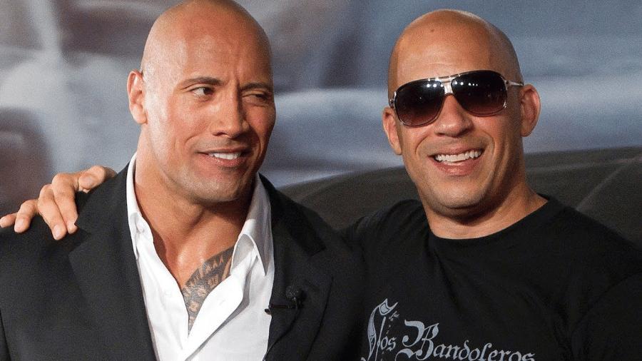 """Dwayne Johnson e Vin Diesel durante divulgação de """"Velozes & Furiosos 5 - Operação Rio"""" - Reprodução/YouTube"""