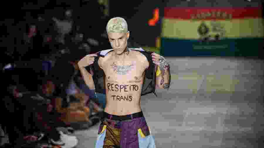 Desfile da grife Cavalera durante a edição N48, do São Paulo Fashion Week (SPFW), em São Paulo (SP), nesta quarta-feira (16) - Adriana de Maio/Estadão Conteúdo