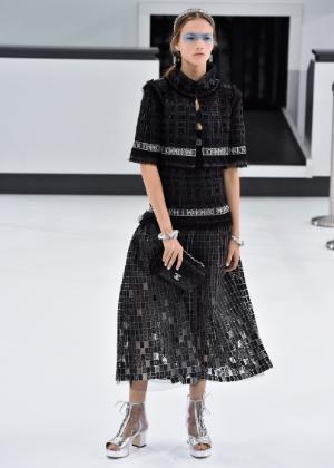 A Chanel mostrou sua coleção do Verão 2016 nesta terça-feira (6) - Getty Images