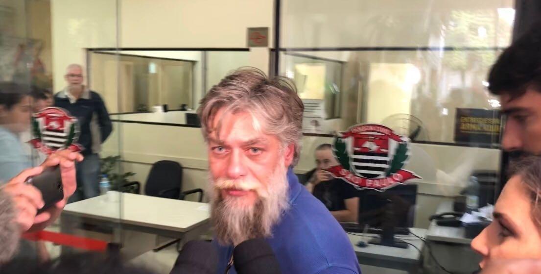 Após ser detido 6366f66ee99d9