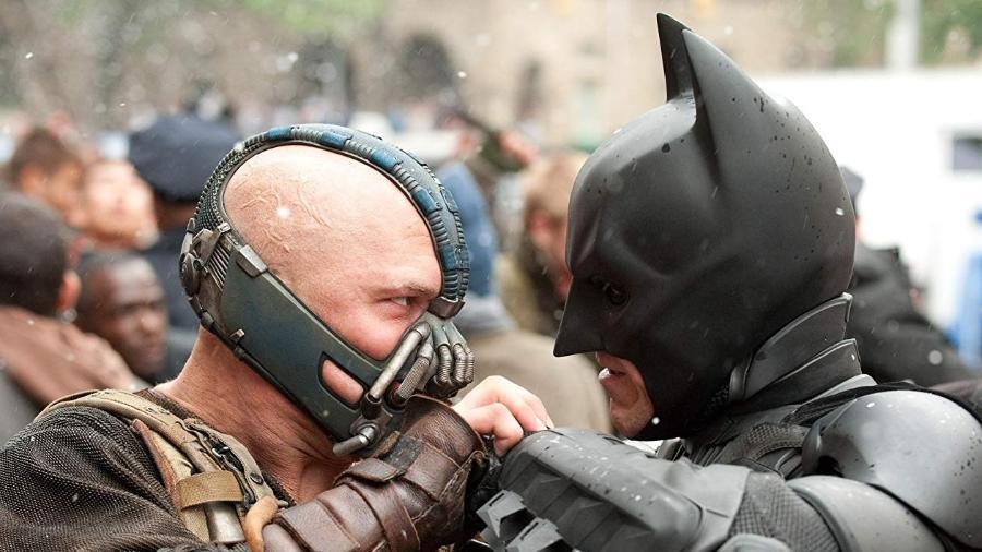"""Tom Hardy como Bane em cena de """"Batman: O Cavaleiro das Trevas Ressurge""""  - Reprodução"""