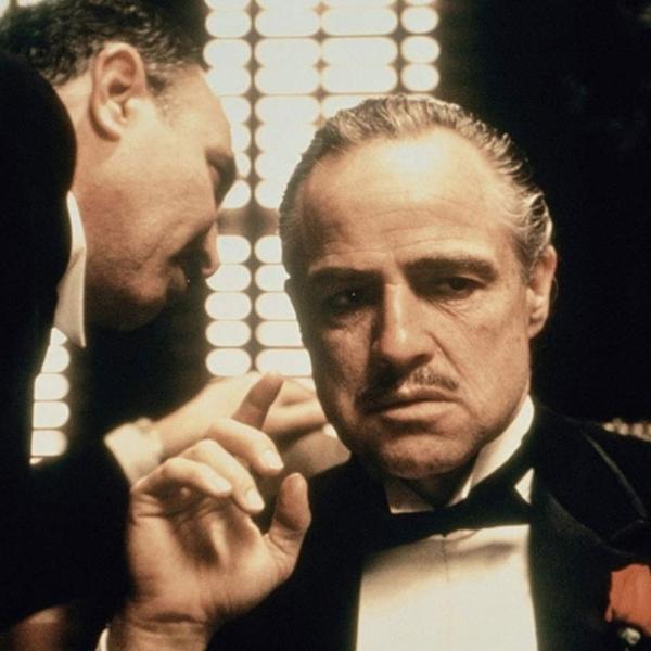 """Marlon Brando e Salvatore Corsitto em """"O Poderoso Chefão"""" (1972)"""