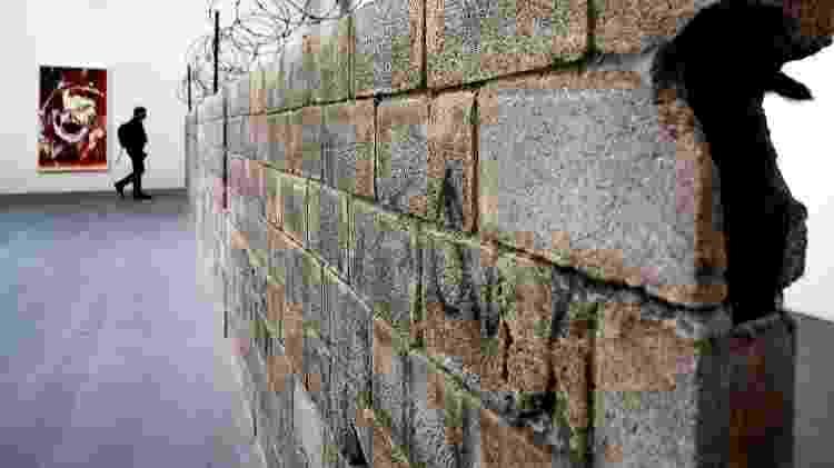 """Muro Ciudad Juarez, 2010"", da artista mexicana Teresa Margolles - Tiziana Fabi/AFP"