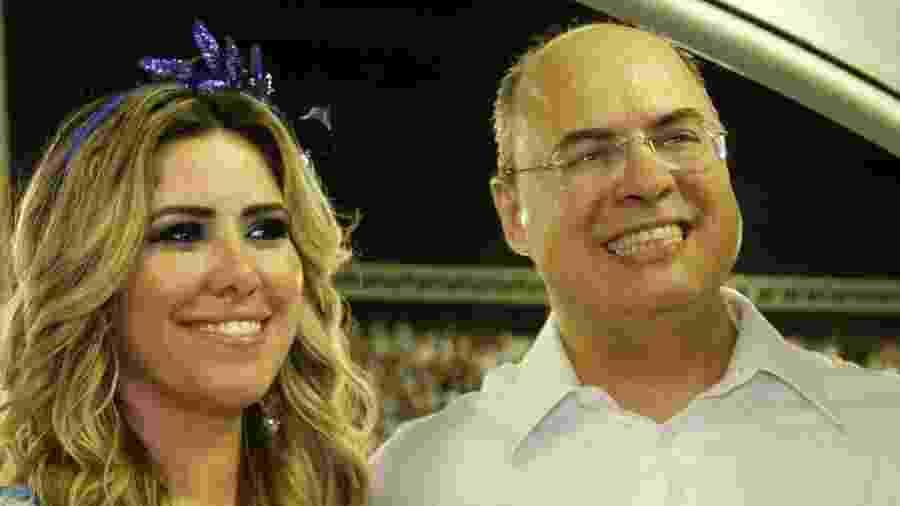 O governador do Rio, Wilson Witzel, e a esposa Helena Witzel na Marquês de Sapucaí - Graça Paes/AgNews