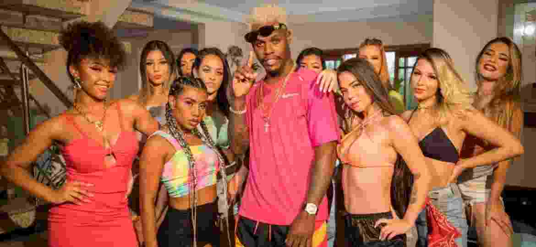 """MC Kekel no clipe de """"Aglomeração"""", sua nova música de trabalho - Divulgação"""
