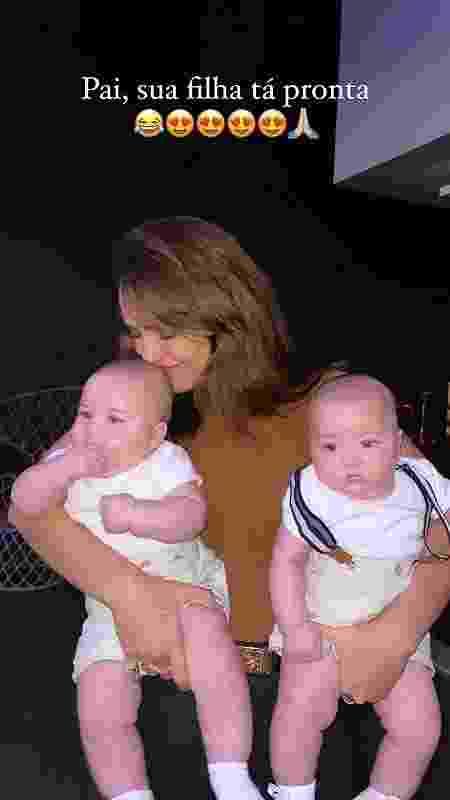 Rafa Kalimann posa com bebês - Reprodução/Instagram - Reprodução/Instagram
