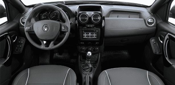 Interior segue mesmo padrão do Duster, com todas suas qualidades e defeitos - Murilo Góes/UOL