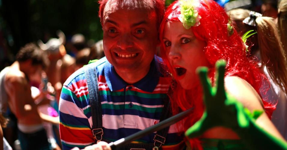 23.jan.2015 - Chuck e Sereia resolveram sambar juntos no Bloco carioca Desliga da Justiça