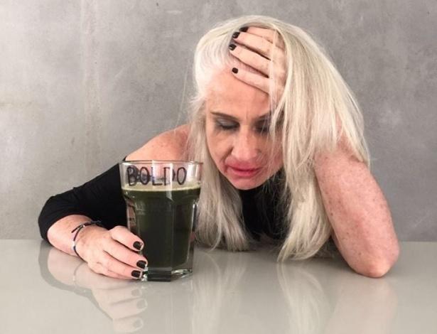5.fev.2016 - Em brincadeira no Facebook, a atriz Vera Holtz aconselha seus fãs a tomarem proveito do chá de boldo para curar a ressaca do Carnaval