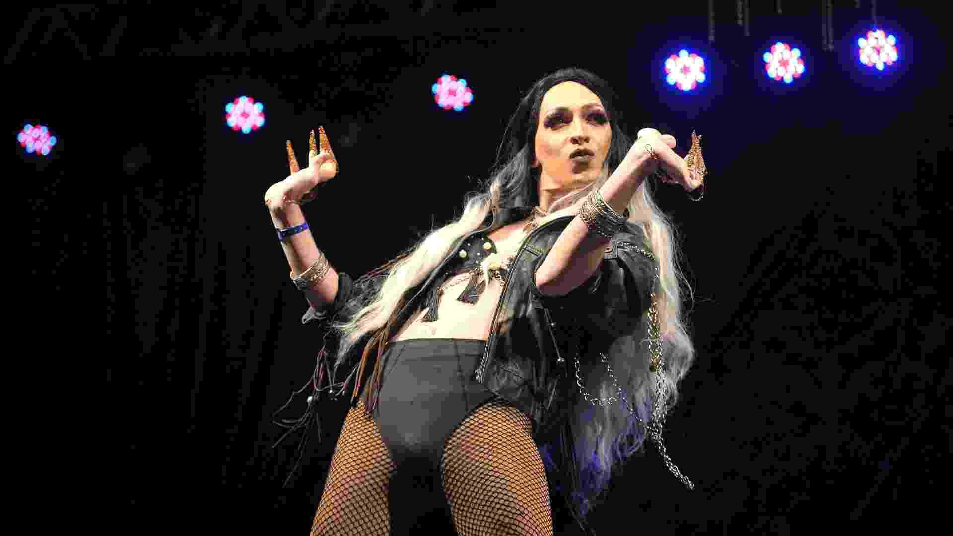 21.mai.2015 - A drag queen Slováquia, 30 anos, participa do concurso Rainha da Virada 2016 - Reinaldo Canato/UOL
